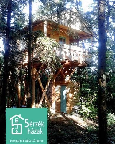 LOMBKORONA ház, ébredj a fák ölelő lombjai között